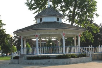 courthouse park bandstand